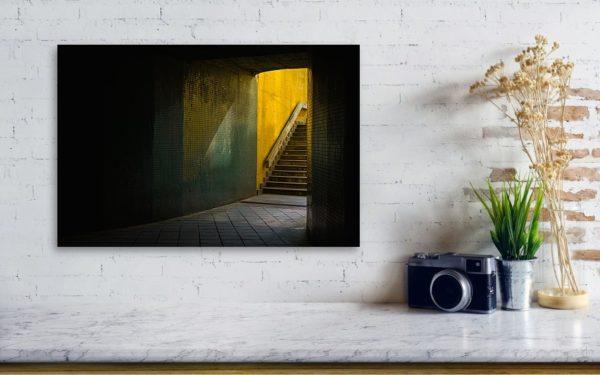 Temný podchod v Praze - Minimalistický fotoobraz na plátně