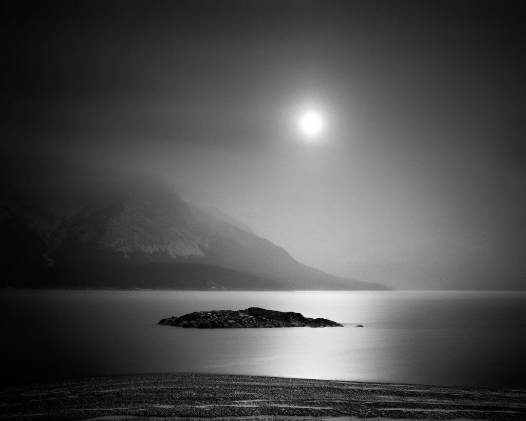 Odrazy v Abraham Lake - Olivier Du Tre