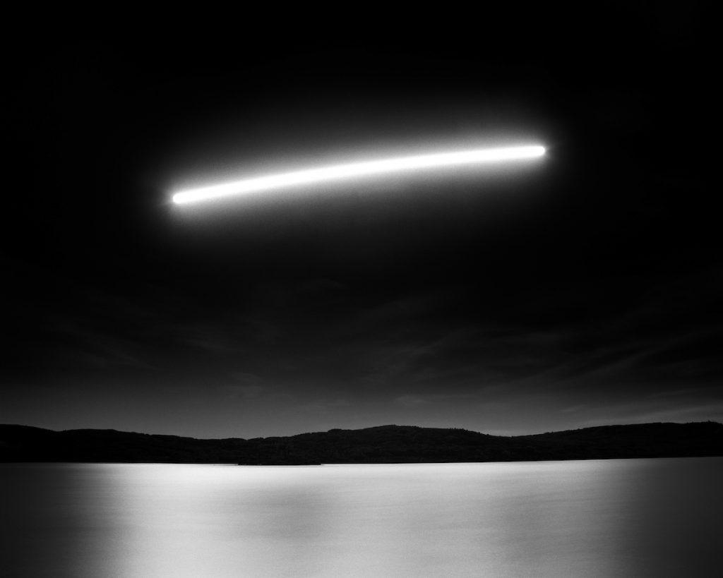 Dvě a půl hodiny přechodu Měsíce nad jezerem duchů v americké Albertě od fotografa Oliviera Du Tre