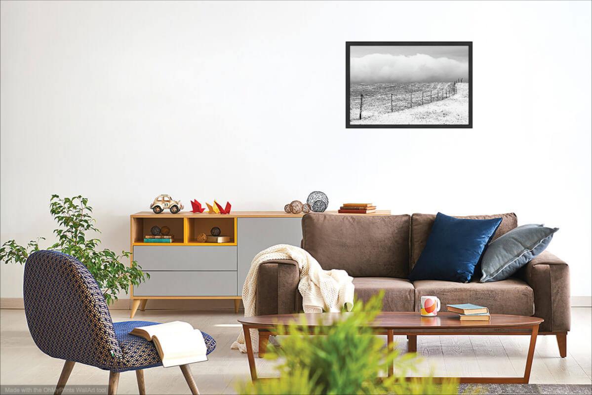 Ohrada v zimní krajině - Minimalistický černobílý fotoobraz - Vizualizace na stěně