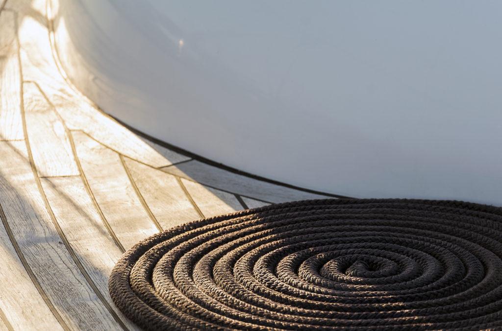 Lodní lano stočené do spirály