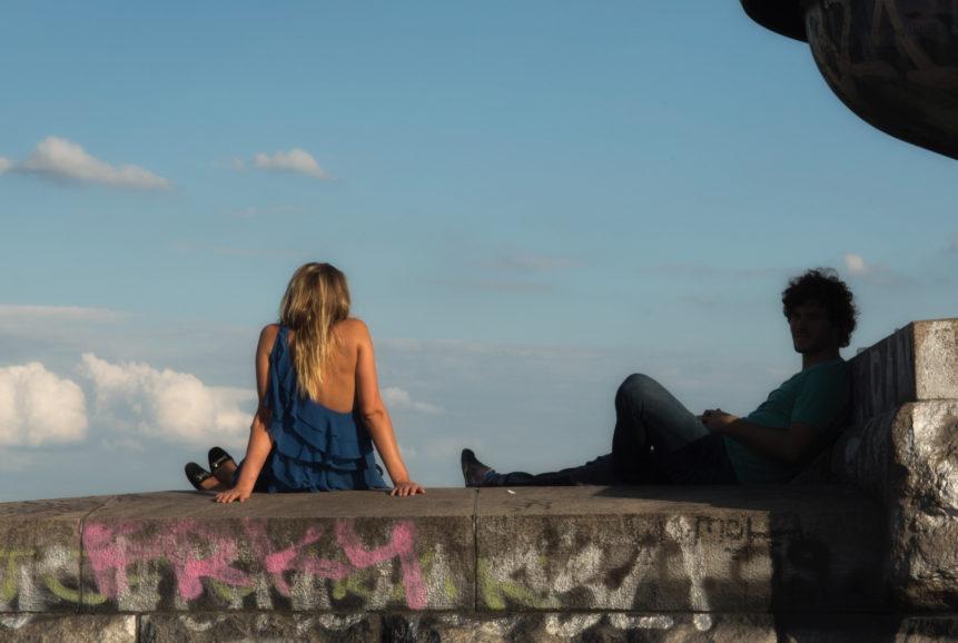Mladý pár na Letné