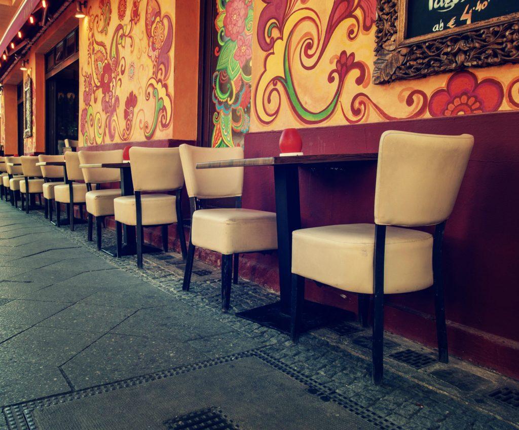 Pouliční kavárna