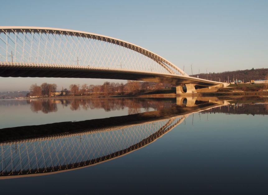 Trojský most v Praze