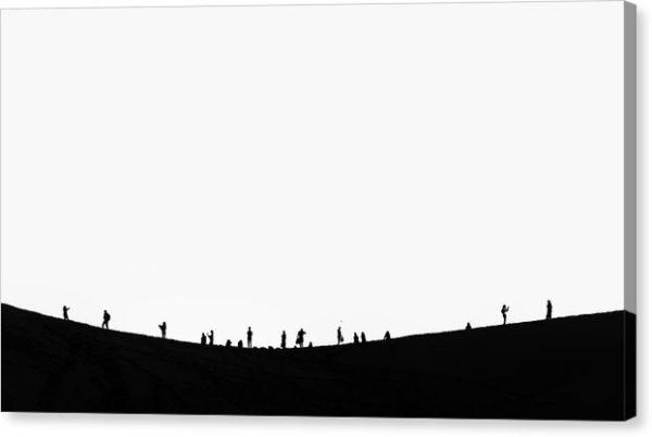 """Minimalistický černobílý fotoobraz """"Lidé na duně"""" na plátně"""